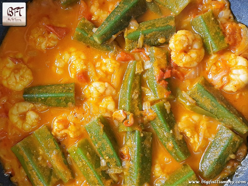 Preparation of Goan Prawn Okra / Ladyfinger Curry