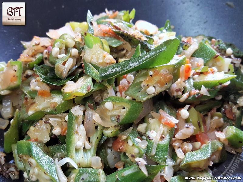Making of okra kali miri stir fry (Ladyfinger Stir Fry)