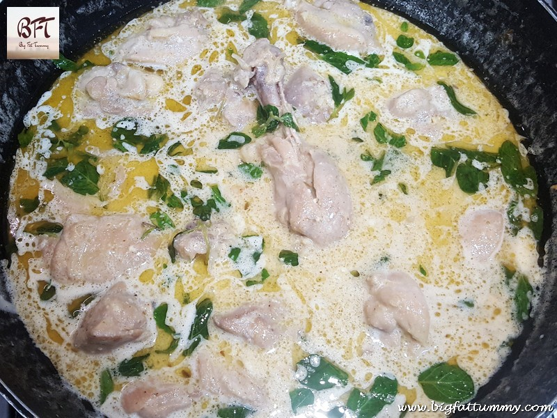 Preparation of Chicken in Dahi Cashewnut Gravy
