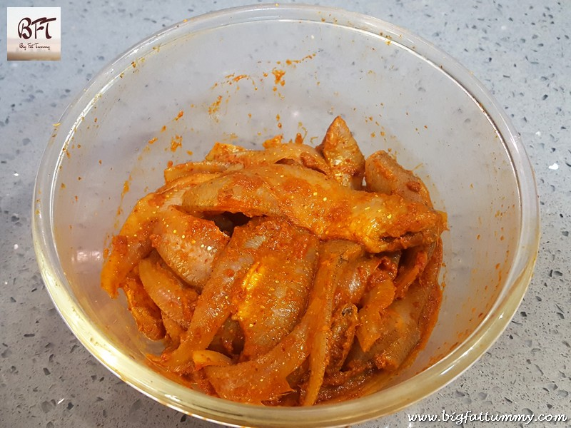 Preparation of Crispy Fried Anchovies