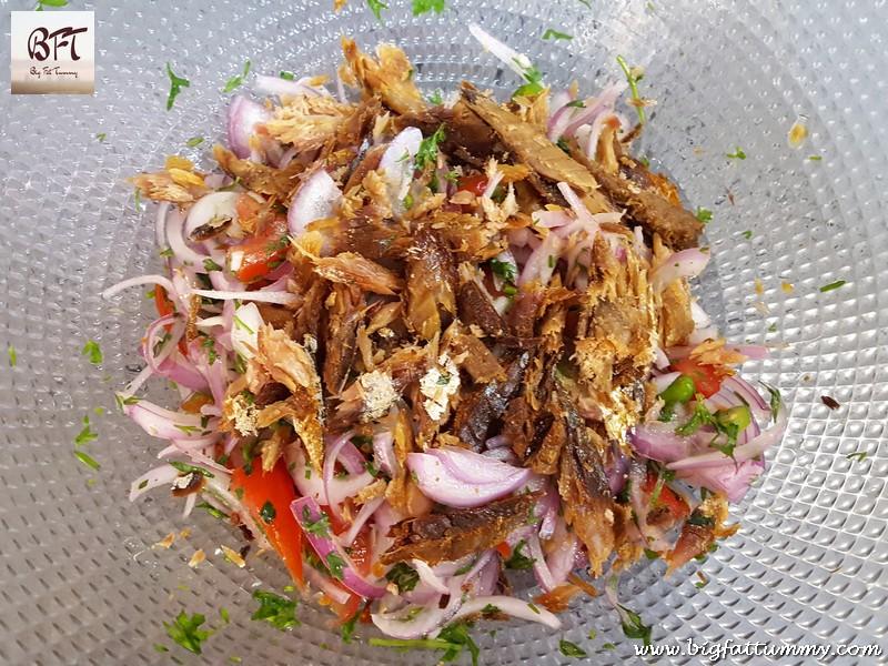 Making of Dry Mackerel Salad