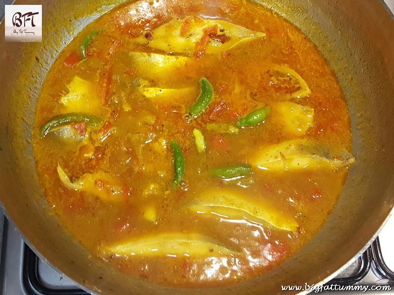 Preparation of Pomfret Jeerem Meerem (Goan curry without coconut)