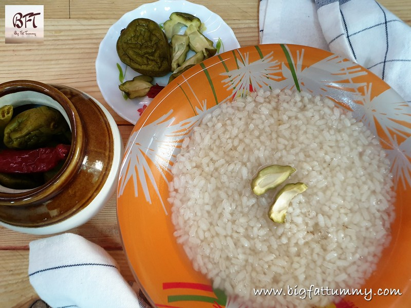 Chepnim Tor _ Goan Mangoes in Brine an Paez