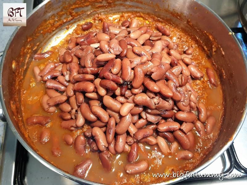 Preparation of Punjabi Rajma Curry