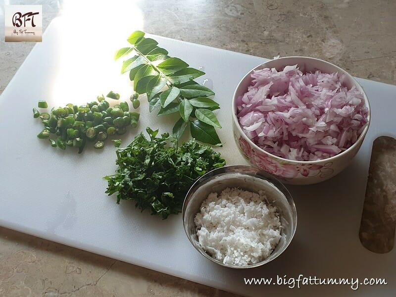 Preparation of Kanda Poha