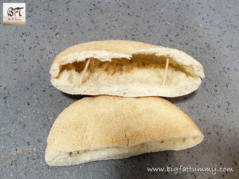 Poee Poi Kundea Bhakri Goan Bread